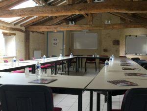 Tarifs location accueil groupe CFA MFR Puy-Sec Salle de réunion