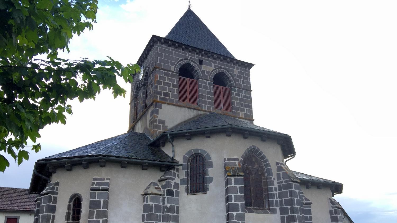 Auvergne Départ de Saint-Martin-de-Fraigneau à Saint-Ours-les-Roches