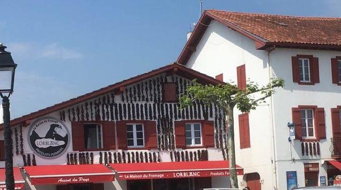 Marché ville Espelette Pays Basque 2018 piment