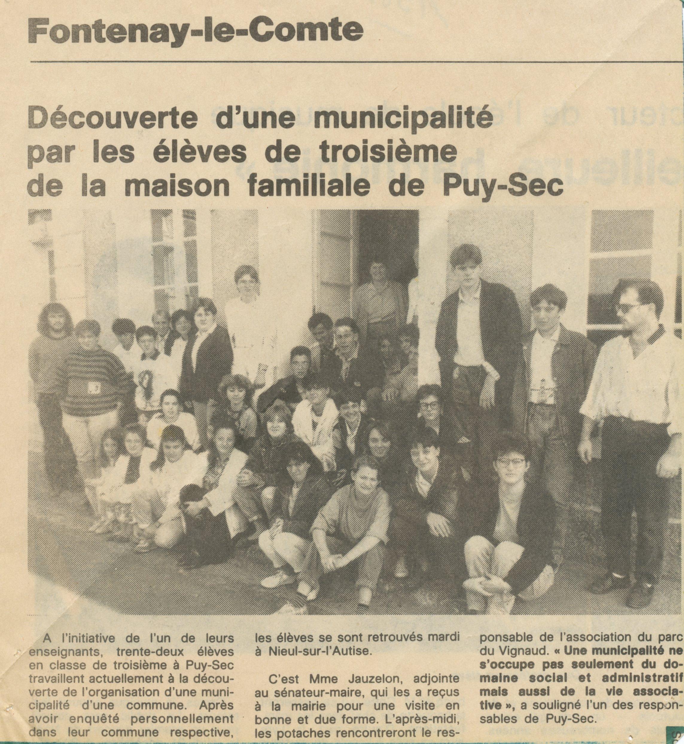 Visite Mairie Nieul-sur-l'Autize Archives anciens élèves mfr puy-sec 1989