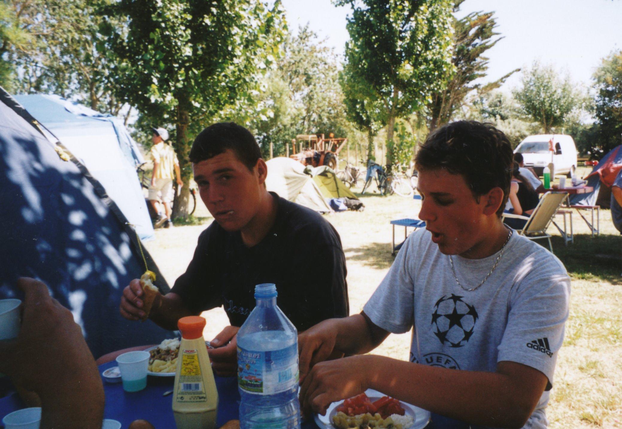 Archives anciens élèves mfr puy-sec 2002 (19)