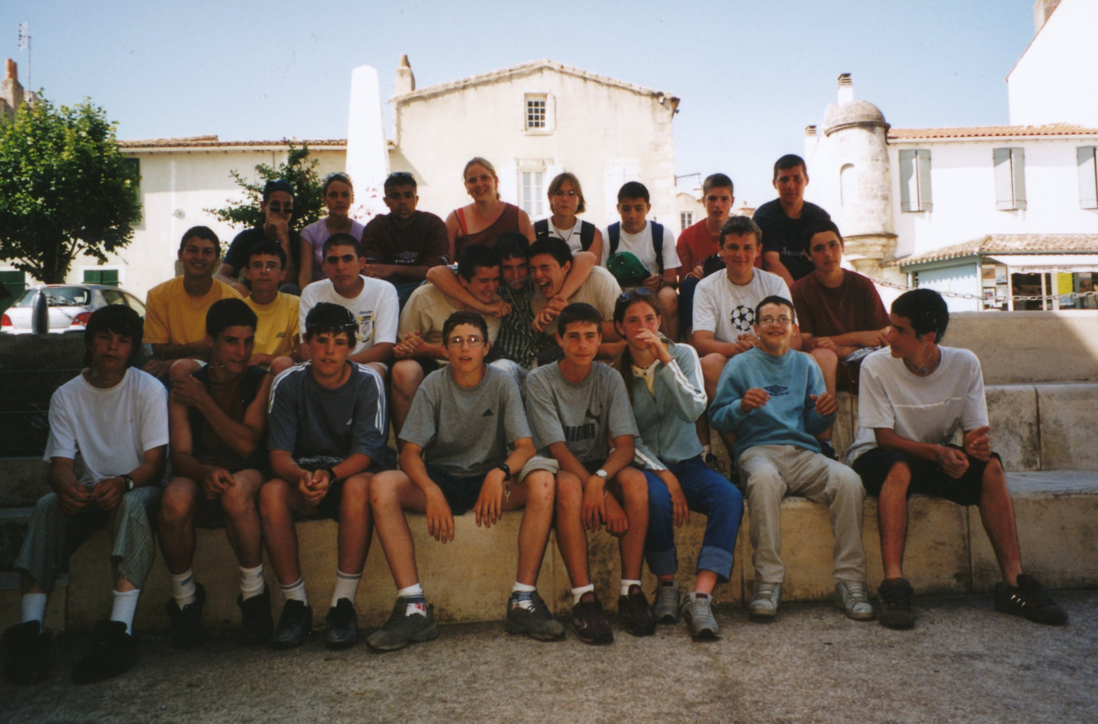 Archives anciens élèves mfr puy-sec 2002 (6)