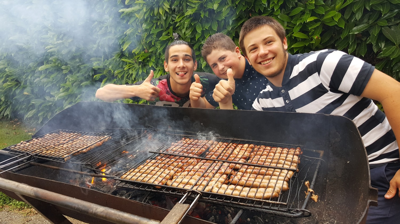 Vie résidentielle au CFA MFR Puy-Sec Soirée barbecue