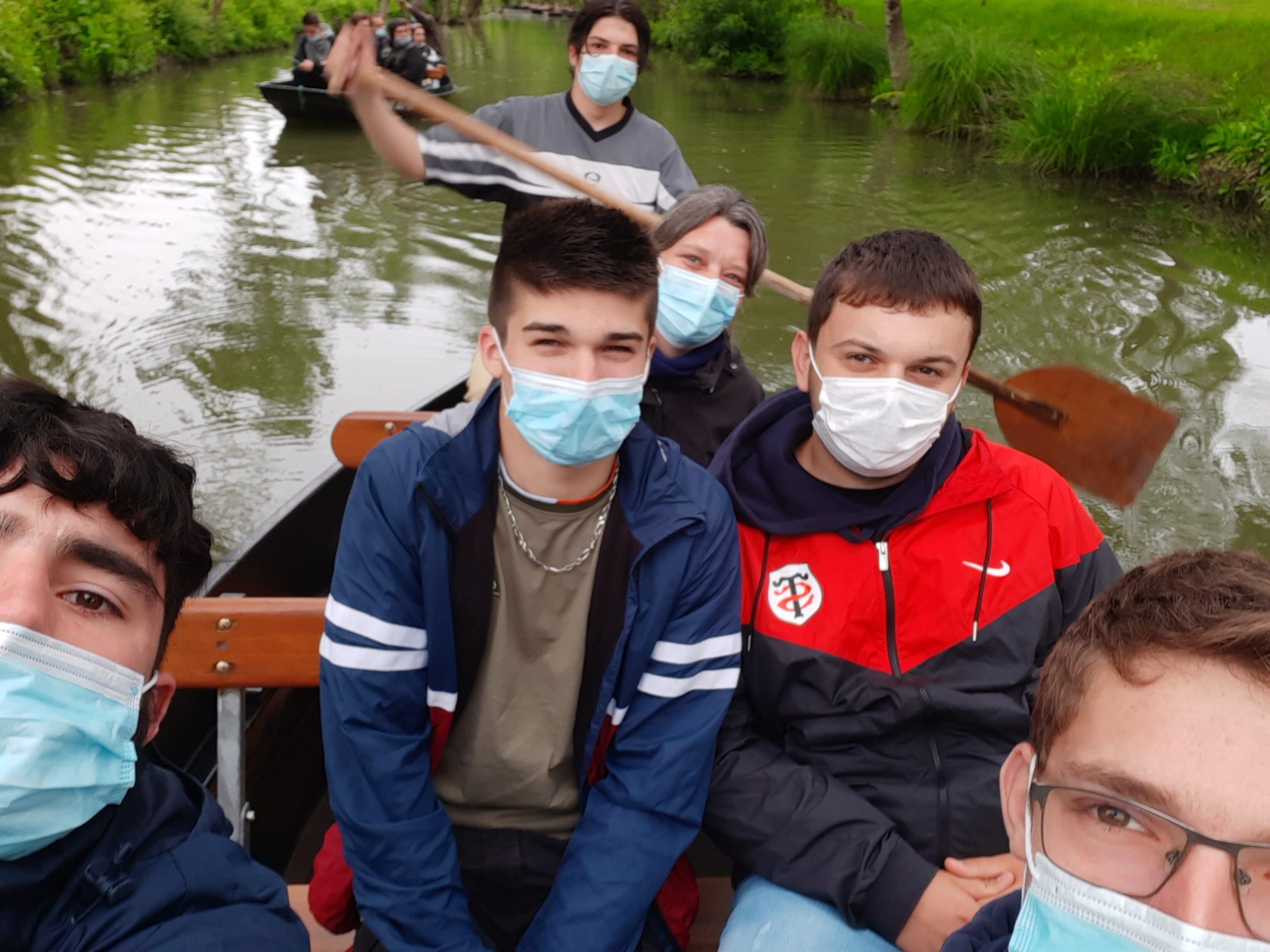 Maillezais, tour de barque -MFR PUY SEC-